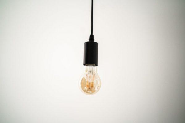 E27 6W (560Lm) LED spuldze Filament Retro Amber, A60, silti balta gaisma, 2700K